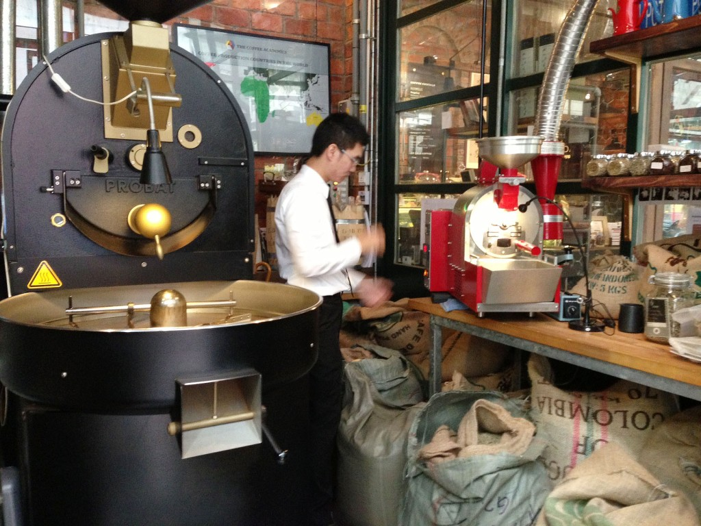 Fresh roasting green coffee beans for us at Coffee Academics (Causeway Bay)