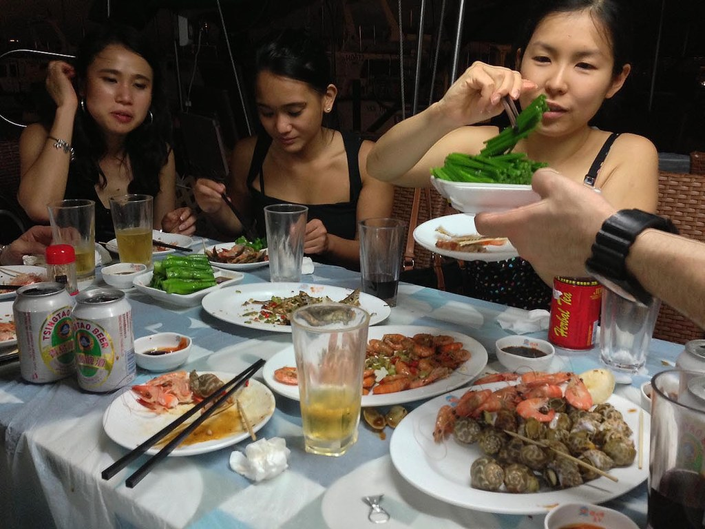 Simple but still fun ambience of Shun Kee - on board our dining boat