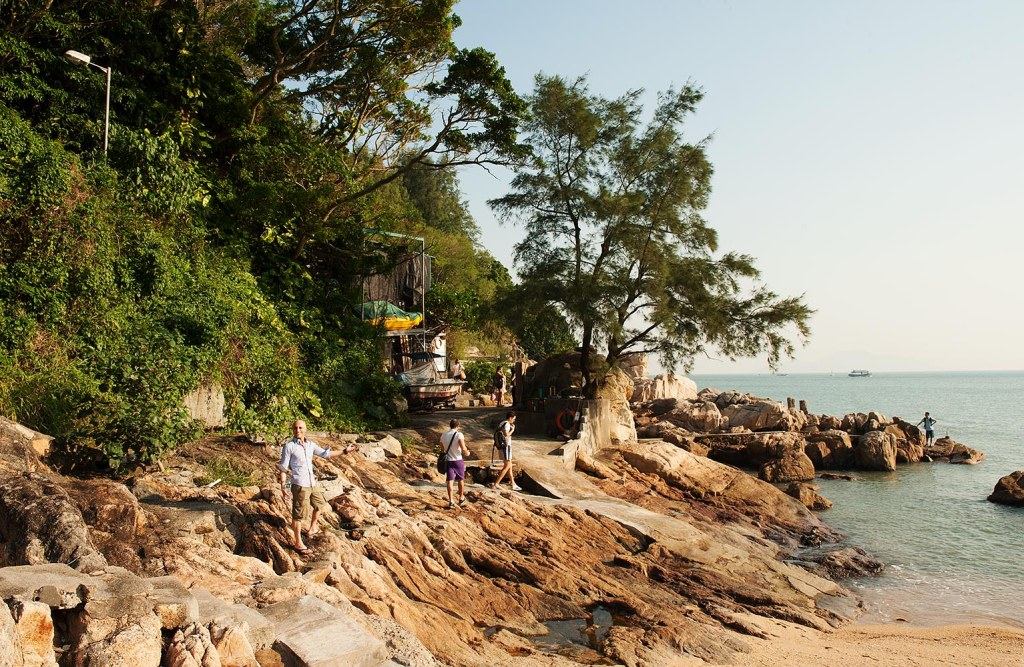 Embarking on a wonderful hike on the perimeter of Cheung Chau Island