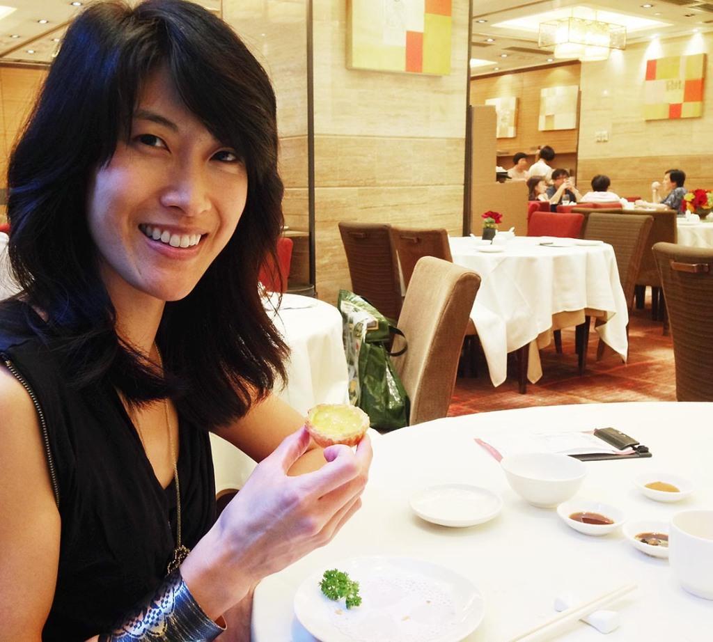 Savoring HK egg tarts at dim sum palace, Lei Garden