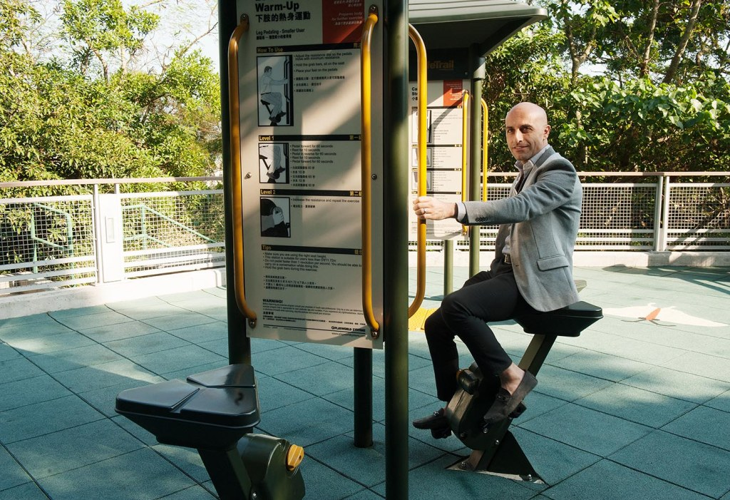 Mark tries to work off brunch - on the periphery of