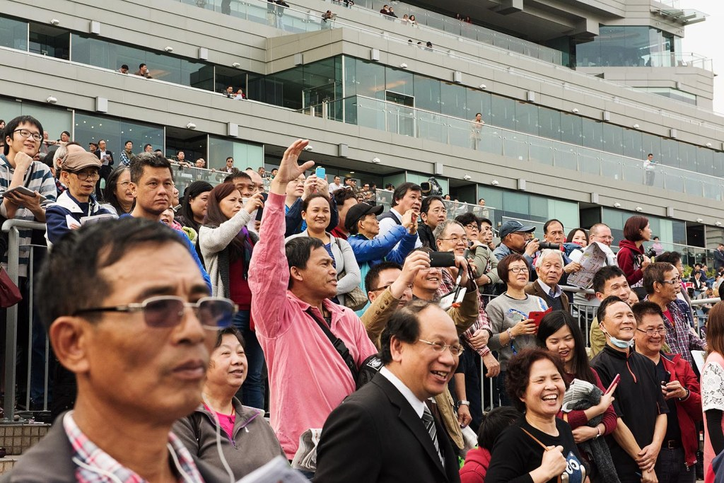 Impassioned CNY crowds at the races